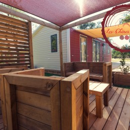 mobilhome rubis camping chênes rouges terrasse jardin voilage