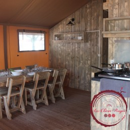 tente lodge terracotta tent repas camping chênes rouges argeles glamping